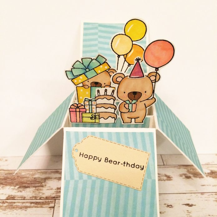 card in a box compleanno